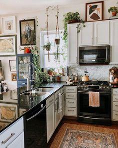 Modern Bohemian Kitchen Designs - Bohemian Home Kitchen Interior Modern, Kitchen Interior, Interior Design, Interior Livingroom, Kitchen Cabinets Decor, Design Kitchen, Interior Paint, Küchen Design, House Design