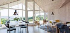 Klassisk sommerhus med unik beliggenhed og udsigt Home Technology, My House, House Design, Elegant, Table, Classic, Inspiration, Furniture, Home Decor