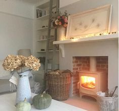 38 Ideas for living room small fireplace log burner Cottage Living Rooms, Cottage Interiors, Small Living Rooms, My Living Room, Home And Living, Living Room Designs, Living Room Decor, Front Room Decor, Cozy Living