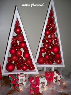 Floating Ornament Christmas Trees: Tutorial