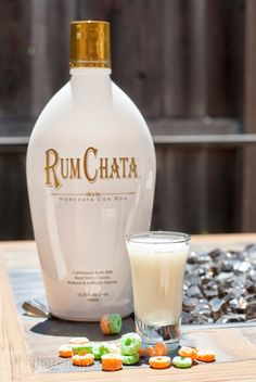 Apples & Jacks (1 oz Rum Chata 1 oz sour apple schnapps)