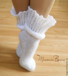 Crochet Shoes, Love Crochet, Knit Crochet, Knitting Stitches, Knitting Socks, Mitten Gloves, Mittens, Art Boots, Woolen Socks