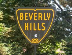 Beverly Hills- yup did the map to the stars. I was so young that I didn't even know whose homes we were looking :) LOL.
