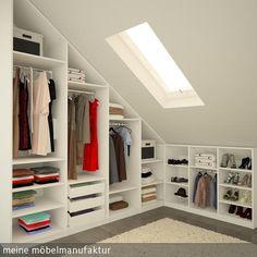 Begehbarer Kleiderschrank unter der Schräge, passgenau in das Dachgeschoss eingepasst. Mehr Ideen zum begehbaren Kleiderschrank:  …