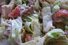 Simpl Cook Blog: ledový salát s kuřetem, cherry rajčátky a jogurtovo - rajčatovou zálivkou