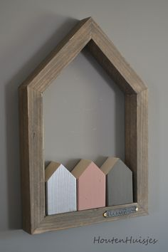 Small Wood Projects, Scrap Wood Projects, Diy Projects To Try, Woodworking Projects, Wooden Decor, Wooden Crafts, Wooden Diy, Small Wooden House, Wooden Houses