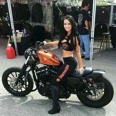 Great Pic, Babe and Bike Combo to go ....   c5o
