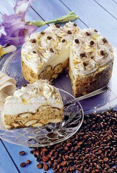 Tiramisu cu cremă mascarpone Romanian Food, Tiramisu Cake, Seitan, Cheesecakes, Yummy Cakes, Food And Drink, Cooking Recipes, Sweets, Breakfast