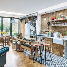 eclectic kitchen - Photograph by Jake Fitzjones via living etc. Eclectic Kitchen, Kitchen Interior, Kitchen Decor, Kitchen Design, Kitchen Ideas, Apartment Kitchen, Eclectic Style, Apartment Design, Cocina Office