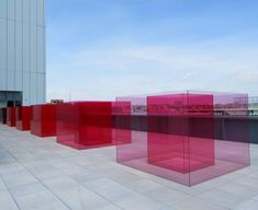 Discover Larry Bell's Stunning Laminated Glass Installation, Pacific Red II Installation Architecture, Glass Installation, Land Art, Laminated Glass, Whitney Museum, Glass Design, Wood Design, Light Art, Public Art