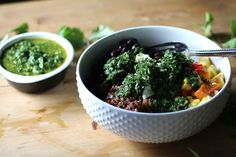 Color yourself healthy with Dietitian Debbie'srecipe for this delicious chimichurri veggie bowl. Red-orange roasted vegetables, black beans, red quinoa and queso fresco are tossed in a refreshing ...