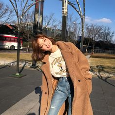 Kalen Brock | Korean Street Style (패션)  ♡ pin : @soyvirgo ™ @soyvirgo on tumblr @soyvirgos on twitter and ig xoxo  #fashion #coat #winter