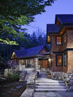 Traditional Exterior Design Ideas, Pictures, Remodel and Decor Rustic Exterior, Design Exterior, Exterior Colors, Cabin Homes, Log Homes, Style At Home, Future House, My House, Exterior Tradicional