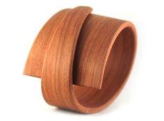 Pulsera de madera de Gustav Reyes - Wood bracelet