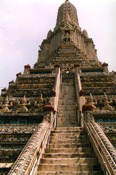 Wat Arun Temple, Bangkok, Thailand.
