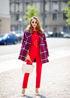 14 Preppy Street Style Outfits that Put Blair Waldorf& Headband to Shame Moda Preppy, Preppy Look, Preppy Style, Plaid Fashion, Winter Fashion Outfits, Womens Fashion, Fashion 2017, Preppy Outfits, Classy Outfits