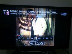 Aprendí a usar YouTube en la tele y puse el cd de Romeo Santos al palo.   Los que piensan que soy un negro, vengan de a uno.