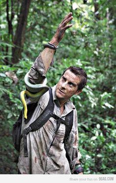 "Edward Michael ""Bear"" Grylls, an English adventurer Man Vs Wild, Bear Grylls Survival, Cholo Art, Bar Logo, Wilderness Survival, Just For Fun, Outdoor Life, Best Funny Pictures, Newborn Photography"