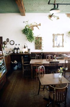 finch's tea & coffee house (vancouver)