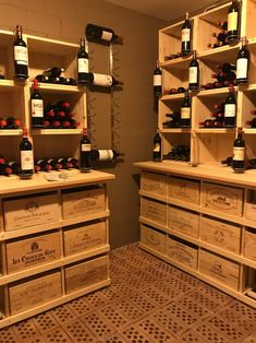 Vin Palette, Home Wine Cellars, Wine Collection, Diy Bar, Private Room, Under Stairs, Wine Storage, Boutique, Woodworking Crafts