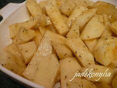 Jade konyhája: Mozzarellával és tojással töltött fasírtgolyók tepsis burgonyával Mozzarella, Brunch, Potatoes, Vegetables, Food, Potato, Essen, Vegetable Recipes, Meals