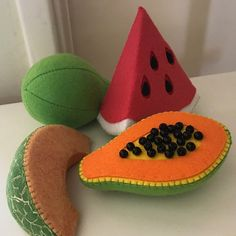 Baby toys Papaya Organic toys for baby Waldorf toys Toddler gift for baby Toddler toys Baby gift eco friendly Natural baby toy - Kinderspiele Toddler Gifts, Gifts For Kids, Toddler Toys, Toddler Vegetables, Cadeau Baby Shower, Shower Baby, Girl Shower, Pretend Food, Pretend Play
