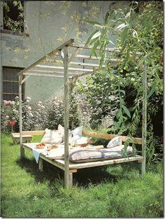 Garden Bed by nita Outdoor Spaces, Outdoor Living, Outdoor Decor, Bed Made From Pallets, Pallett Ideas, Garden Beds, Home And Garden, Pallets Garden, Garden Structures