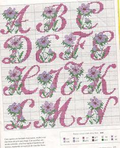 CHÁ MATE COM PINHÃO: Alfabeto de Flores em Ponto Cruz - 5
