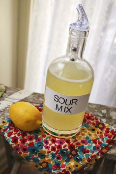 How to make your own sour mix at home. homemade is so much more tasty! click through for the recipe I'll sub the sugar for stevia :) Party Drinks, Cocktail Drinks, Fun Drinks, Alcoholic Drinks, Cocktail Recipes, Amaretto Drinks, Camping Drinks, Sour Cocktail, Fruity Cocktails