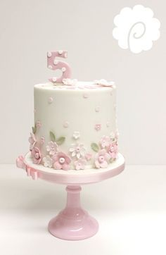 Birthday cake, cute little girl in holding large pink flowers. Pretty Cakes, Beautiful Cakes, Fondant Cakes, Cupcake Cakes, Simple Fondant Cake, Single Tier Cake, Girly Cakes, Birthday Cake Girls, Birthday Cakes