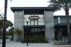 The Yard House brewery boasts a huge selection of beers on tap as well as endless drinks from the full bar. They also offer a full American menu with healthy dishes or bar-style food. Located only 2.5 miles from the Doubletree by Hilton Orlando at Seaworld.