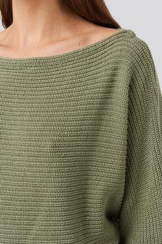 Dzianinowy sweter z odkrytymi ramionami Zielony   na-kd.com Pullover, Sweaters, Fashion, Moda, Fashion Styles, Sweater, Fashion Illustrations, Sweatshirts, Pullover Sweaters