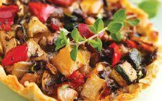 Τραγανή Φωλιά με ψητά λαχανικά και κατσικίσιο τυρί - iCookGreek Quiches, Pizza Legume, Vegetable Pie, Kung Pao Chicken, Cooking Recipes, Ethnic Recipes, Sweet, Kitchen, 20 Minutes