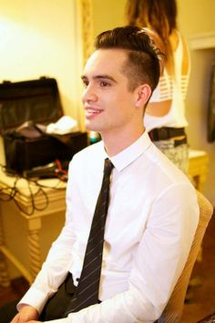 BRENDON URIE not sure how I feel about the hair cut... JUST KIDDING!! i love it <3