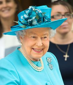 20 Reasons Queen Elizabeth Is a Pretty Hip Grandmother Pictures Of Queen Elizabeth, Queen Elizabeth Ii, Princess Eugenie, Princess Anne, Queen Hat, Queen Margrethe Ii, Her Majesty The Queen, I Am A Queen, Prince Charles