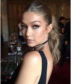 Les plus beaux looks make-up de Gigi Hadid : Le cat eye félin