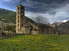 Vall de Boi - Alta Ribagorza It's a romanesque medieval architectural complex. In this picture Sant Climent de Taüll. Romanesque, Homeland, The Good Place, Medieval, To Go, Hiking, Europe, Architecture, World