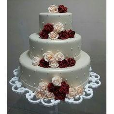 Resultado de imagem para bolo fake para batizado