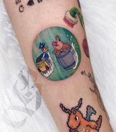 Tatuagem colorida: Joga mais cor que está pouco! - Blog Tattoo2me Old Cartoons, Color Tattoo, Print Tattoos, Painted Rocks, Colorful Tattoos, Rock Painting, Artwork, Tattoo Ideas, Blog