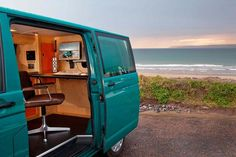 VW Transporter kombi mobile office, with a switch from camper to mobile workspace Office Pods, Tiny Office, Car Office, Office Setup, Office Ideas, Van Conversion Office, Cargo Van Conversion, Vw Camper, Vw Bus