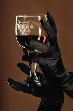 Cheers :D   #MacGrillHalfPricedWine