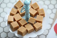 Karamellfudge - Passion For baking Fudge Recipes, Baking Recipes, Dessert Drinks, Desserts, Caramel Fudge, Holiday Treats, Christmas Baking, Sweet Tooth, Vanilla