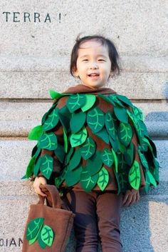 Adorable tree costume for children of any age. Great food Halloween Carnival or school plays. Tree Halloween Costume, Tree Costume, Halloween Trees, Holidays Halloween, Halloween Diy, Halloween Carnival, Book Costumes, Diy Costumes, Costume Ideas