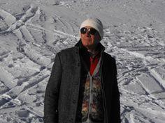 """Il tempo"""" e """"i tempi"""" ci invitano a riflettere sui nostri stili di vita, a ricercare la sicurezza nella  sobrietà delle tradizioni, a ricuperare i valori, a ricercare la gioia nelle cose semplici, belle, che durano nel tempo.......http://abbigliamento-alpino-livigno.blogspot.it/2013/12/livigno-abbigliamento-alpino-tirolese_15.html"""