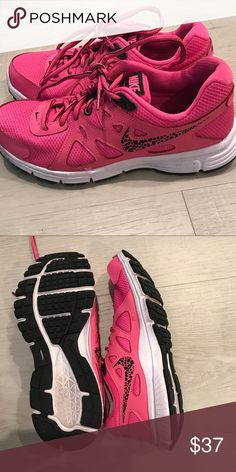 ceed91799edc Shop Women s Nike Pink Black size Athletic Shoes at a discounted price at  Poshmark.