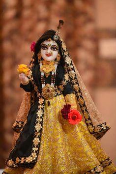 Krishna Hindu, Radha Krishna Love Quotes, Krishna Statue, Lord Krishna Images, Radha Krishna Pictures, Radha Krishna Photo, Krishna Photos, Radhe Krishna, Lord Krishna Hd Wallpaper