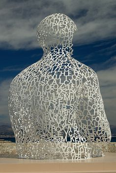 jaume plensa? wish people would attach appropriate credits when they upload images.....C'mon people!!