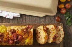 No-Knead Cheddar, Tomato, and Garlic Bread Recipe
