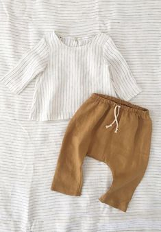 Baby clothes should be selected according to what? How to wash baby clothes? What should be considered when choosing baby clothes in shopping? Baby clothes should be selected according to … Fashion Kids, Baby Girl Fashion, Toddler Fashion, Fall Fashion, Womens Fashion, Stylish Boy Clothes, Cool Boys Clothes, Stylish Boys, Baby Boy Clothes Hipster