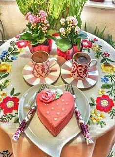Good Morning Coffee, Coffee Break, Coffee Cafe, Coffee Mugs, Cute Cups, Turkish Coffee, Chocolate, Amazing Cakes, Cupcake Cakes